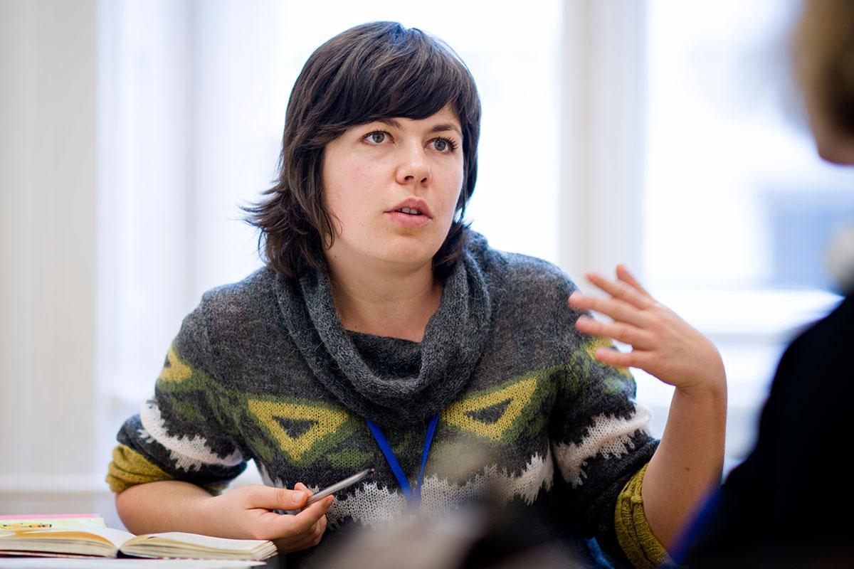 Nataliya Novakova (MPA '16) works with her teammate and Passion Project partner ESI. Photo: Daniel Vegel/SPP